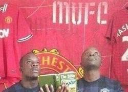 Enlace a Los aficionados del Manchester United pidiendo ayuda para este fin de semana
