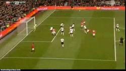 Enlace a GIF: Como no, Van Persie siempre salvando al United