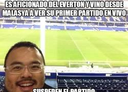 Enlace a Es aficionado del Everton y vino desde Malasya a ver su primer partido en vivo