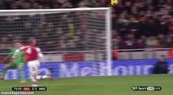 Enlace a GIF: Paradón de Szczesny ante el United