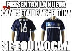 Enlace a Presentan la nueva camiseta de Argentina