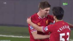 Enlace a GIF: Gerrard: That what you did there, was f**king brilliant!