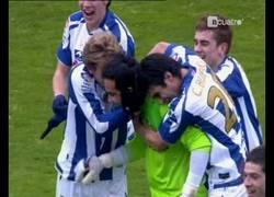 Enlace a VÍDEO: 4 años del gol de falta de Claudio Bravo. Último gol de falta de la Real Sociedad