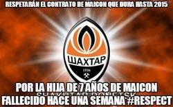 Enlace a Respetarán el contrato de Maicon que dura hasta 2015