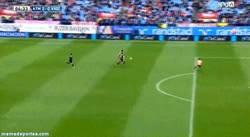 Enlace a GIF: Diego Costa vuelve a marcar, aún no se quiere bajar de la nube