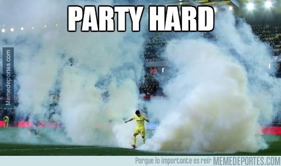 266906 - Party Hard en el Madrigal