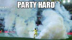 Enlace a Party Hard en el Madrigal