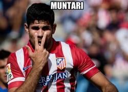 Enlace a Diego Costa mandándole un saludito a Muntari