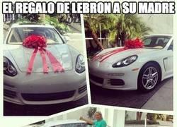 Enlace a El regalo de LeBron a su madre