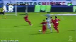 Enlace a GIF: Golazo de Rafinha al Getafe, algo parecido a los goles de Messi