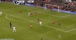 Enlace a GIF: Golazo de Shelvey al Liverpool