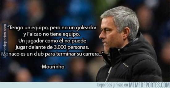 271816 - Mourinho mandándole un guiño a Falcao