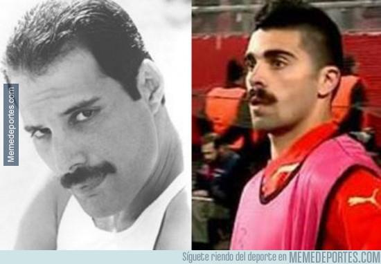 272880 - Freddie Mercury y Machado, parecidos razonables