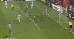 Enlace a GIF: Vidal no falla a su cita con el gol contra el Trabzonspor