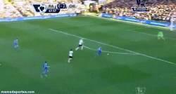 Enlace a GIF: Uno de los goles de Schürrle tras una asistencia de Torres