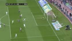 Enlace a GIF: El gol de Koke al Madrid que anima el derbi