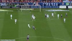 Enlace a GIF: El golazo de Gabi en el minuto 45'
