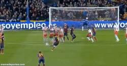 Enlace a GIF: Golazo de falta de Messi contra el Almería