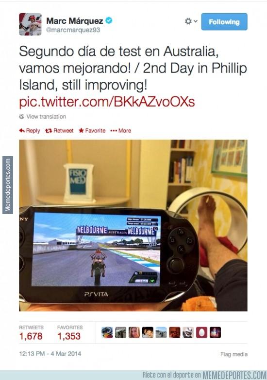 277441 - Marc Márquez tomándose con humor su lesión