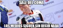 Enlace a Alex Mariñelarena sale del coma