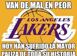Enlace a Los Lakers van de mal en peor