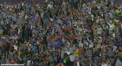 Enlace a GIF: Así están los aficionados del Valladolid... Y del Madrid