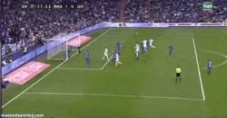 Enlace a GIF: Gol del que salta más, Cristiano Ronaldo
