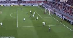 Enlace a GIF: ¡Atención al Betis! Gol de Bapistao al Sevilla