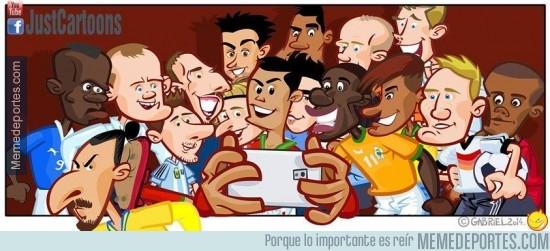 282329 - El selfie de los mejores jugadores del mundial e Ibra acoplándose