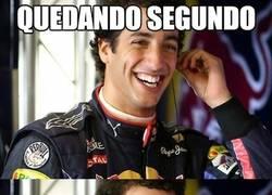 Enlace a Ricciardo siempre sonríe