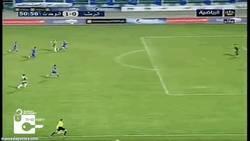 Enlace a GIF: El golazo a lo Zlatan en la liga Siria desde 30 metros