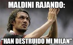 Enlace a Paolo Maldini rajando