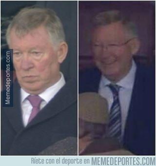 285422 - Imagen izquierda: Sir Alex vs Liverpool. Imagen derecha: Sir Alex vs Olympiakos.Así es el fútbol.