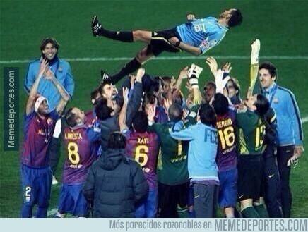 287387 - El Barça celebrando la victoria