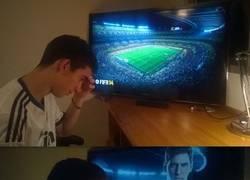 Enlace a Madridistas jugando al FIFA después del Madrid-Barça
