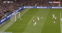 Enlace a GIF: El gol de Dzeko al United en el minuto 1, el gol más rápido en Old Trafford