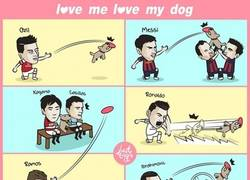 Enlace a Jugadores de fútbol con sus perros