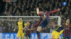 Enlace a GIF: La caída que provocó la lesión de Piqué #ChampionsTVE