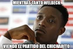 Enlace a Welbeck preocupado por el buen partido de Chicharito