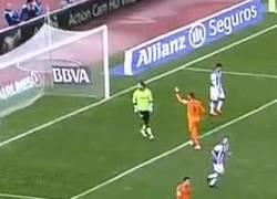 Enlace a GIF: Diego, choca esos cin...