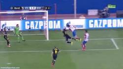 Enlace a GIF: Koke encamina el partido para el Atlético