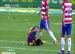 Enlace a GIF: Neymar y la vergüenza ajena. Que alguien se lo diga ya