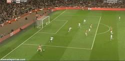 Enlace a GIF: El tercer gol del Arsenal, una obra de arte, Giroud-Ramsey-Podolski