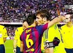 Enlace a GIF: Abrazo entre Xavi y Casillas para sellar la paz por las declaraciones sobre el pisotón a Pepe