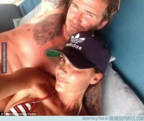 301759 - El selfie de David y Victoria Beckham el día de su 40 cumpleaños