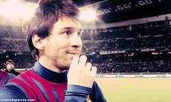 Enlace a GIF: Esto es lo que piensa Messi de las críticas. Él sólo piensa en el Mundial