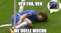 Enlace a David Luiz se la sabe larga