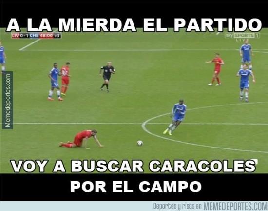 306809 - Mientras tanto Gerrard en el gol de Ba por @llourinho