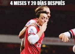 Enlace a Özil vuelve a aparecer. Apenas le ha costado