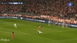 Enlace a GIF: Y aquí está el esperado 15º gol de Cristiano en Champions